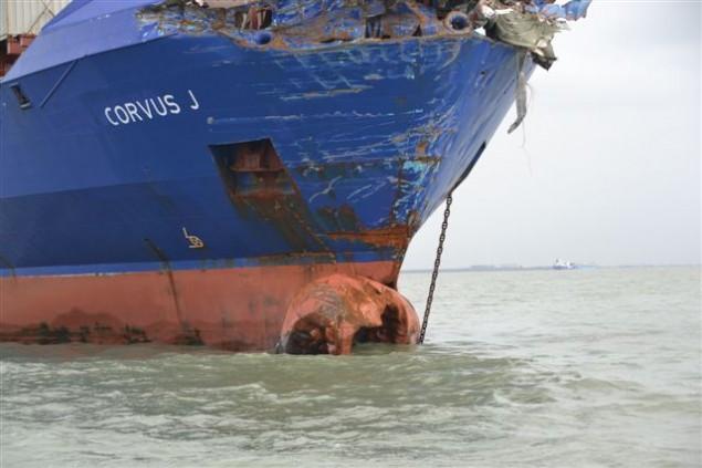 Δείτε βίντεο απο την σύγκρουση αλλά και φωτογραφίες απο τις ζημιές στο πλοίο Corvus J - e-Nautilia.gr | Το Ελληνικό Portal για την Ναυτιλία. Τελευταία νέα, άρθρα, Οπτικοακουστικό Υλικό