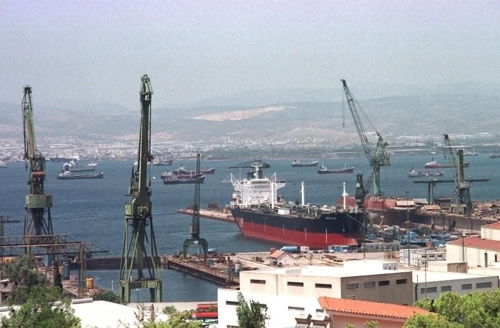 Ναυπηγεία Σκαραμαγκά: Ευθύνες στον Βενιζέλο καταλογίζουν για την κατάστασή τους οι εργαζόμενοι - e-Nautilia.gr | Το Ελληνικό Portal για την Ναυτιλία. Τελευταία νέα, άρθρα, Οπτικοακουστικό Υλικό