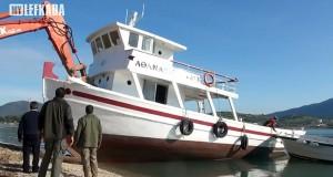 Ένα συγκλονιστικό βίντεο από την καταστροφή ξύλινου παραδοσιακού σκάφους στην Λευκάδα [Βίντεο]
