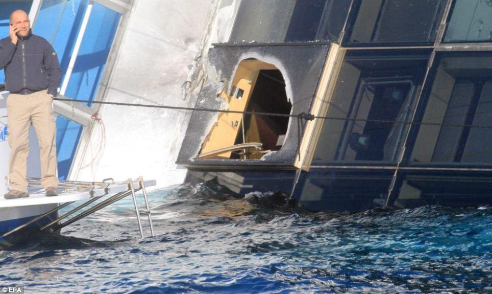 """Εισροή υδάτων στο Ε/Γ – Τ/Ρ """"ΑΝΝΑ ΜΑΡΙΑ"""" - e-Nautilia.gr   Το Ελληνικό Portal για την Ναυτιλία. Τελευταία νέα, άρθρα, Οπτικοακουστικό Υλικό"""