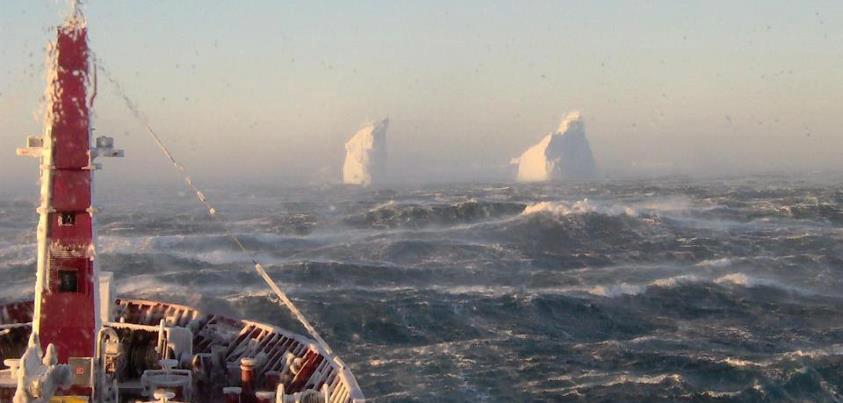 Φωτογραφία ημέρας – παγόβουνα - e-Nautilia.gr   Το Ελληνικό Portal για την Ναυτιλία. Τελευταία νέα, άρθρα, Οπτικοακουστικό Υλικό