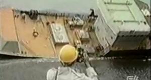 Πλοίο παραλίγο να βουλιάξει στο πρώτο του ταξίδι…[βίντεο]