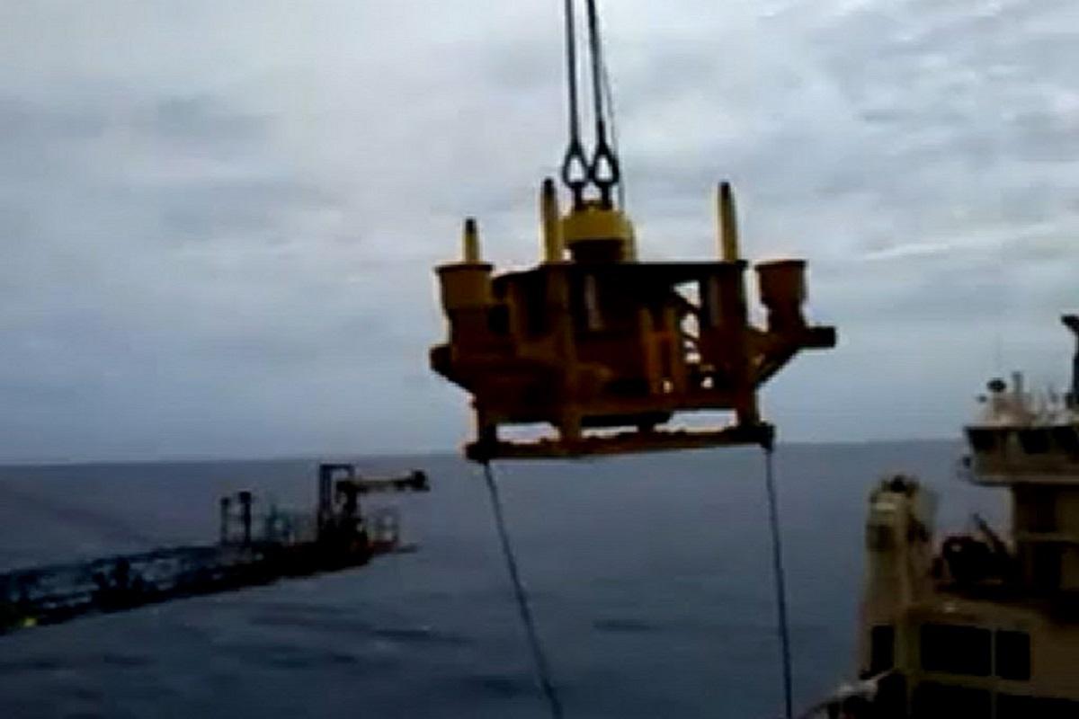 Μετά από αυτό το βίντεο δεν θα ξανά σταθείτε κάτω από τα κρένια…(video) - e-Nautilia.gr   Το Ελληνικό Portal για την Ναυτιλία. Τελευταία νέα, άρθρα, Οπτικοακουστικό Υλικό