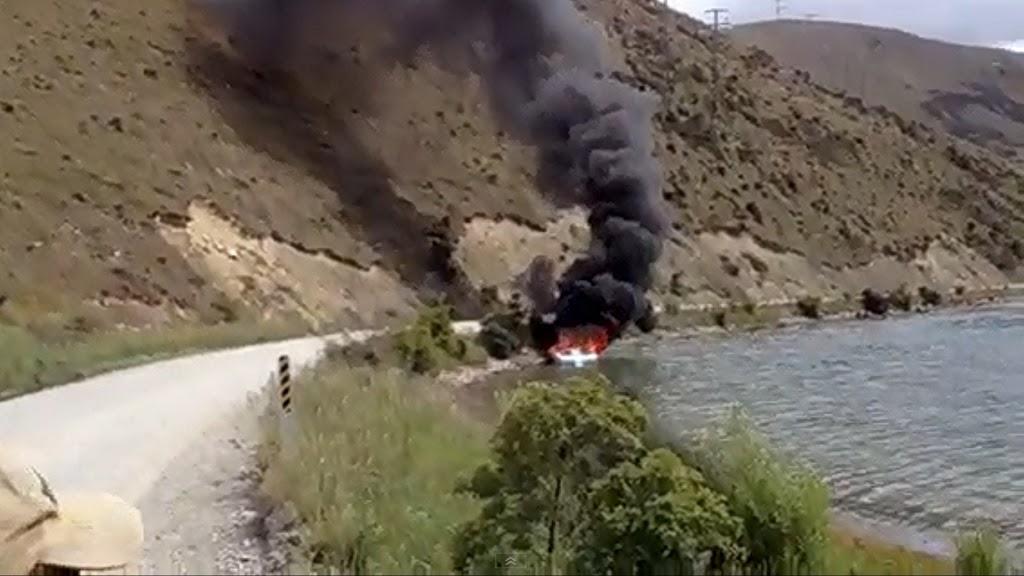 Σβήσιμο φωτιάς στην θάλασσα που τα σπάει! [video] - e-Nautilia.gr | Το Ελληνικό Portal για την Ναυτιλία. Τελευταία νέα, άρθρα, Οπτικοακουστικό Υλικό