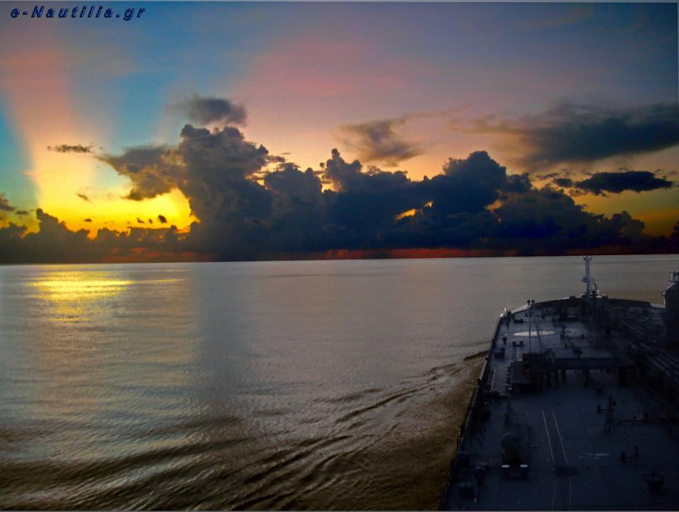 Φωτογραφία ημέρας – Amazing sunset… - e-Nautilia.gr | Το Ελληνικό Portal για την Ναυτιλία. Τελευταία νέα, άρθρα, Οπτικοακουστικό Υλικό
