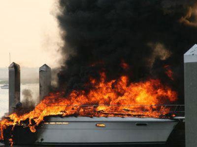 Πυρκαγιά σε σκάφος - e-Nautilia.gr | Το Ελληνικό Portal για την Ναυτιλία. Τελευταία νέα, άρθρα, Οπτικοακουστικό Υλικό