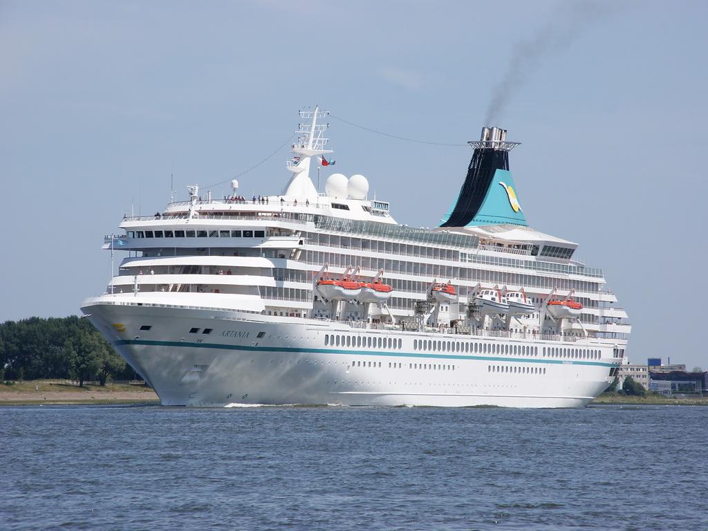 Στο λιμάνι του Ηρακλείου το κρουαζιερόπλοιο «Artania» - e-Nautilia.gr | Το Ελληνικό Portal για την Ναυτιλία. Τελευταία νέα, άρθρα, Οπτικοακουστικό Υλικό