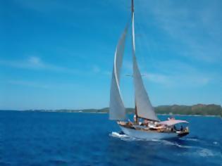 Ακυβέρνητο Ι/Φ σκάφος στο Γαλαξίδι - e-Nautilia.gr | Το Ελληνικό Portal για την Ναυτιλία. Τελευταία νέα, άρθρα, Οπτικοακουστικό Υλικό