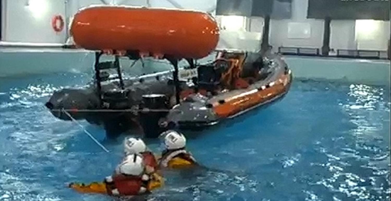 Ουσιαστική εκπαίδευση για επιβίωση στην θάλασσα (Video) - e-Nautilia.gr | Το Ελληνικό Portal για την Ναυτιλία. Τελευταία νέα, άρθρα, Οπτικοακουστικό Υλικό