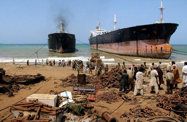 Η σκληρή ζωή στο «νεκροταφείο πλοίων» του Gadani (Photos) - e-Nautilia.gr | Το Ελληνικό Portal για την Ναυτιλία. Τελευταία νέα, άρθρα, Οπτικοακουστικό Υλικό