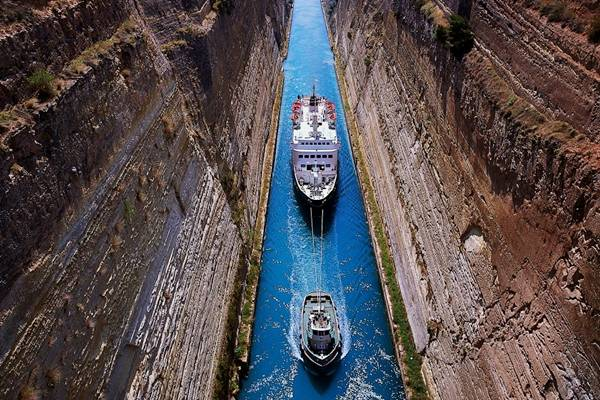 Συνεχίζεται η ομηρία των ναυτικών της Διώρυγας της Κορίνθου - e-Nautilia.gr | Το Ελληνικό Portal για την Ναυτιλία. Τελευταία νέα, άρθρα, Οπτικοακουστικό Υλικό