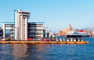 Ένταση επικρατεί στο ΥΝΑ για τις απολύσεις υπαλλήλων - e-Nautilia.gr | Το Ελληνικό Portal για την Ναυτιλία. Τελευταία νέα, άρθρα, Οπτικοακουστικό Υλικό