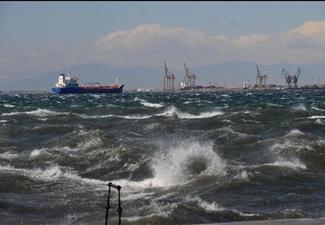Φόβοι για θαλάσσια ρύπανση στην Άνδρο – Πιθανόν το ένα από τα δυο πλοία να μην σώζεται - e-Nautilia.gr | Το Ελληνικό Portal για την Ναυτιλία. Τελευταία νέα, άρθρα, Οπτικοακουστικό Υλικό