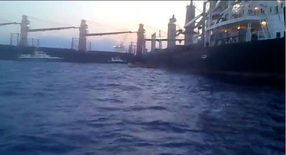 Η επιχείρηση αποκόλλησης των δυο πλοίων στην Άνδρο [βίντεο] - e-Nautilia.gr | Το Ελληνικό Portal για την Ναυτιλία. Τελευταία νέα, άρθρα, Οπτικοακουστικό Υλικό