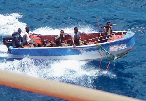Oι επιθέσεις πειρατών μειώθηκαν το πρώτο εξάμηνο του 2013 - e-Nautilia.gr | Το Ελληνικό Portal για την Ναυτιλία. Τελευταία νέα, άρθρα, Οπτικοακουστικό Υλικό