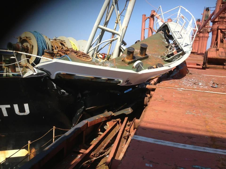 Φωτογραφίες από τη σύγκρουση των εμπορικών πλοίων - e-Nautilia.gr | Το Ελληνικό Portal για την Ναυτιλία. Τελευταία νέα, άρθρα, Οπτικοακουστικό Υλικό