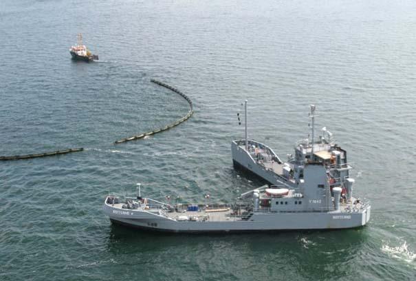 Το πλοίο που χωρίζεται στα δύο (Photos) - e-Nautilia.gr | Το Ελληνικό Portal για την Ναυτιλία. Τελευταία νέα, άρθρα, Οπτικοακουστικό Υλικό