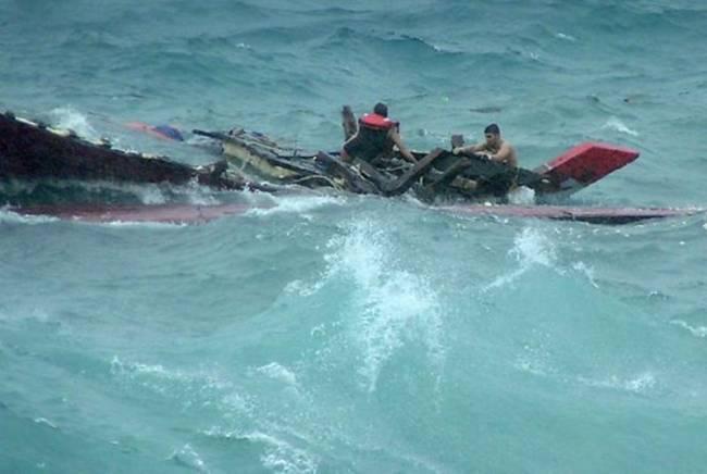 Πλοίο βυθίζεται ανοικτά της Νήσου των Χριστουγέννων – Σώοι οι 106 επιβαίνοντες - e-Nautilia.gr | Το Ελληνικό Portal για την Ναυτιλία. Τελευταία νέα, άρθρα, Οπτικοακουστικό Υλικό