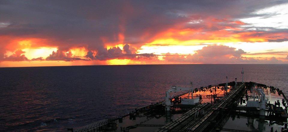 Scenes like this is one of the reasons we love sailing!!! - e-Nautilia.gr | Το Ελληνικό Portal για την Ναυτιλία. Τελευταία νέα, άρθρα, Οπτικοακουστικό Υλικό