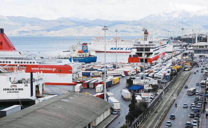 Απλήρωτη εργασία και εντατικοποίηση στο λιμάνι της Πάτρας - e-Nautilia.gr | Το Ελληνικό Portal για την Ναυτιλία. Τελευταία νέα, άρθρα, Οπτικοακουστικό Υλικό
