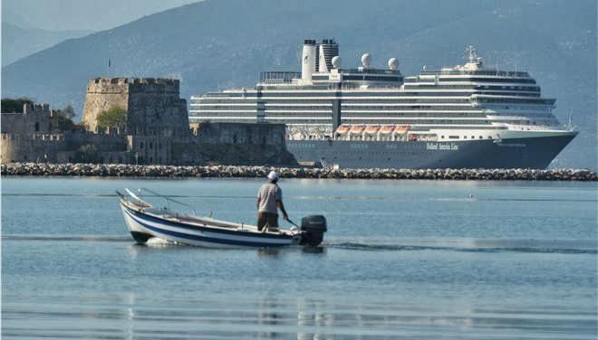 Έφθασαν άλλα δυο κρουαζιερόπλοια στο Ναύπλιο - e-Nautilia.gr | Το Ελληνικό Portal για την Ναυτιλία. Τελευταία νέα, άρθρα, Οπτικοακουστικό Υλικό