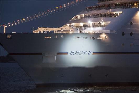 Το πολυτελέστερο κρουαζιερόπλοιο του κόσμου έφτασε χθες στον Πειραιά! [βίντεο] - e-Nautilia.gr | Το Ελληνικό Portal για την Ναυτιλία. Τελευταία νέα, άρθρα, Οπτικοακουστικό Υλικό