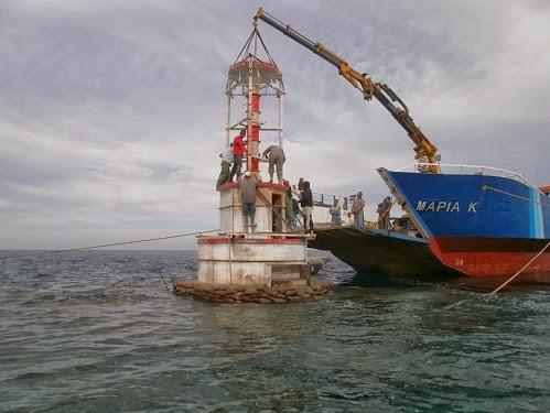 Τοποθετείται ο φάρος στον ύφαλο ανοιχτά της Νάξου! [βίντεο+φωτο] - e-Nautilia.gr | Το Ελληνικό Portal για την Ναυτιλία. Τελευταία νέα, άρθρα, Οπτικοακουστικό Υλικό