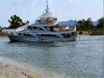Προσάραξη θαλαμηγού στη Ρόδο - e-Nautilia.gr | Το Ελληνικό Portal για την Ναυτιλία. Τελευταία νέα, άρθρα, Οπτικοακουστικό Υλικό