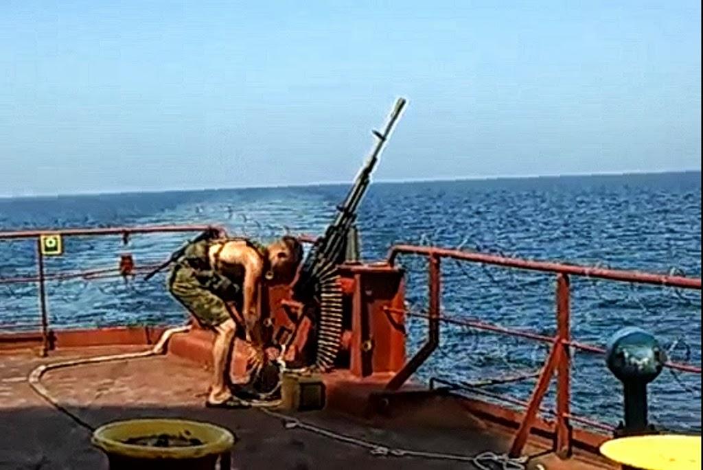 Προετοιμασία με βαρύ οπλισμό για τους Σομαλούς πειρατές [video] - e-Nautilia.gr | Το Ελληνικό Portal για την Ναυτιλία. Τελευταία νέα, άρθρα, Οπτικοακουστικό Υλικό
