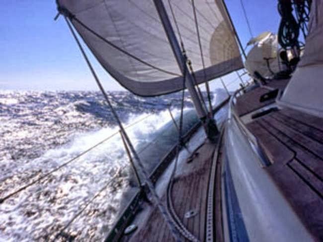 Σύγκρουση αλιευτικού με ιστιοφόρο - e-Nautilia.gr   Το Ελληνικό Portal για την Ναυτιλία. Τελευταία νέα, άρθρα, Οπτικοακουστικό Υλικό