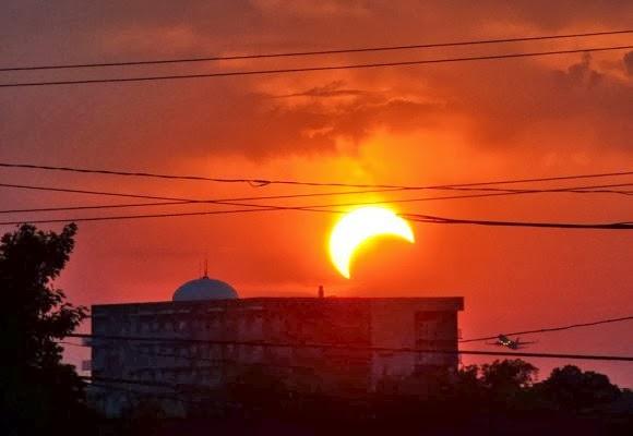 «Yβριδική» ηλιακή έκλειψη: Το σπάνιο φαινόμενο που θα δούμε την κυριακή [φωτο] - e-Nautilia.gr | Το Ελληνικό Portal για την Ναυτιλία. Τελευταία νέα, άρθρα, Οπτικοακουστικό Υλικό