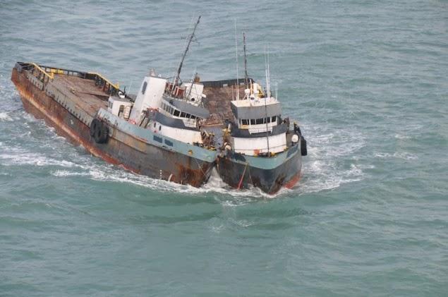 Σύγκρουση πλοίων κατά την ρυμούλκηση τους [βίντεο+φωτο] - e-Nautilia.gr | Το Ελληνικό Portal για την Ναυτιλία. Τελευταία νέα, άρθρα, Οπτικοακουστικό Υλικό