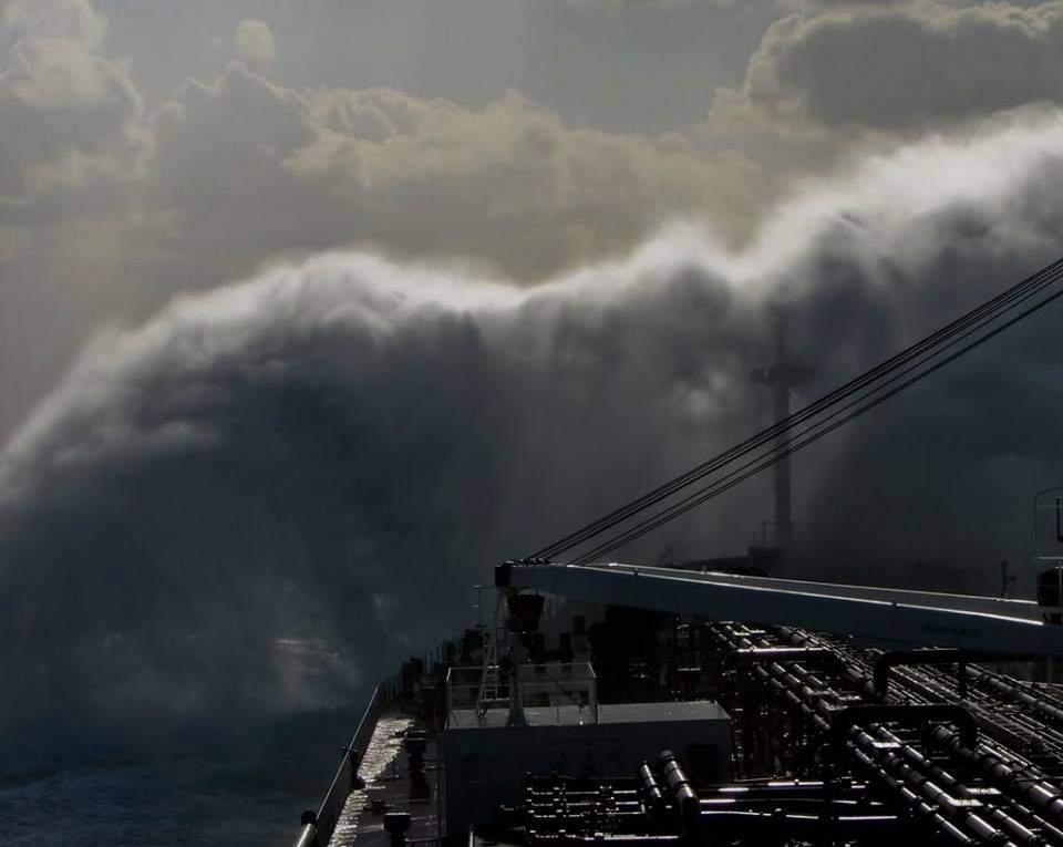 Μακριά από εμάς! - e-Nautilia.gr | Το Ελληνικό Portal για την Ναυτιλία. Τελευταία νέα, άρθρα, Οπτικοακουστικό Υλικό