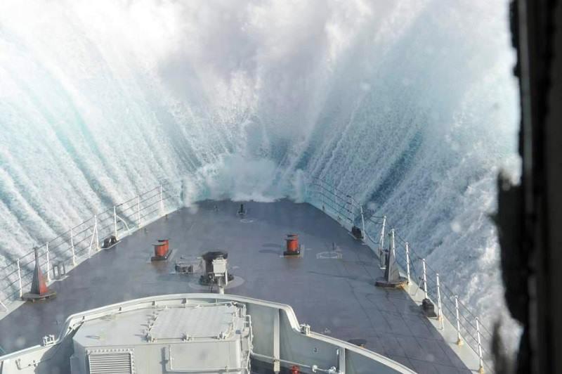 Splash…! - e-Nautilia.gr | Το Ελληνικό Portal για την Ναυτιλία. Τελευταία νέα, άρθρα, Οπτικοακουστικό Υλικό
