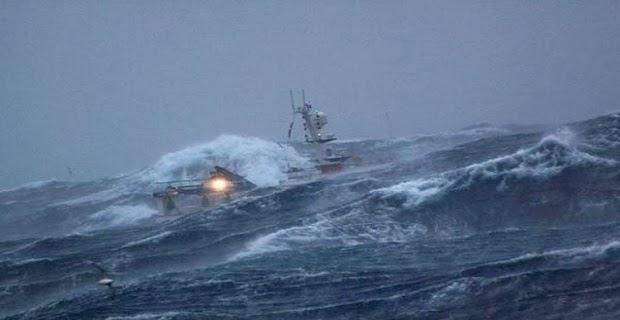 Απίστευτη επιχείρηση διάσωσης μέσα στη νύχτα - e-Nautilia.gr | Το Ελληνικό Portal για την Ναυτιλία. Τελευταία νέα, άρθρα, Οπτικοακουστικό Υλικό