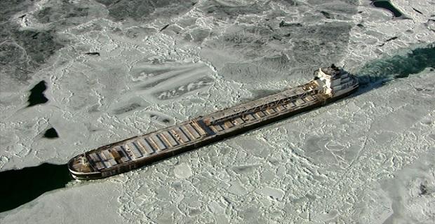 Διασχίζοντας το παγωμένο ποτάμι του Ντιτρόιτ [pics] - e-Nautilia.gr | Το Ελληνικό Portal για την Ναυτιλία. Τελευταία νέα, άρθρα, Οπτικοακουστικό Υλικό