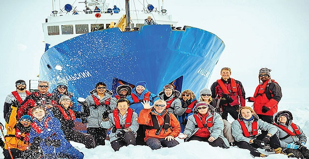 Tον ερχομό του 2014 γιόρτασαν oι παγιδευμένοι στην Ανταρκτική[vid] - e-Nautilia.gr | Το Ελληνικό Portal για την Ναυτιλία. Τελευταία νέα, άρθρα, Οπτικοακουστικό Υλικό