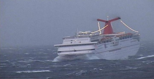 cruise-ship_in_big_storm_