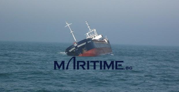 Φορτηγό πλοίο ανατράπηκε και βυθίστηκε λόγω μετατόπισης φορτίου [pics] - e-Nautilia.gr | Το Ελληνικό Portal για την Ναυτιλία. Τελευταία νέα, άρθρα, Οπτικοακουστικό Υλικό