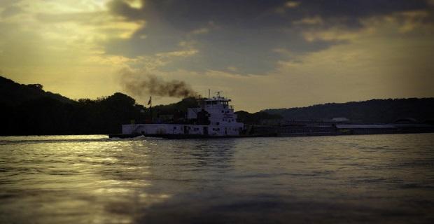 Ρυμουλκό προσάραξε στον ποταμό Οχάιο - e-Nautilia.gr   Το Ελληνικό Portal για την Ναυτιλία. Τελευταία νέα, άρθρα, Οπτικοακουστικό Υλικό