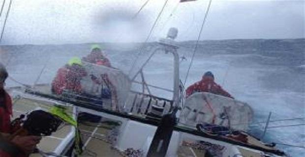 Δραματική διάσωση ναύτη στη μέση του Ειρηνικού [vid] - e-Nautilia.gr | Το Ελληνικό Portal για την Ναυτιλία. Τελευταία νέα, άρθρα, Οπτικοακουστικό Υλικό