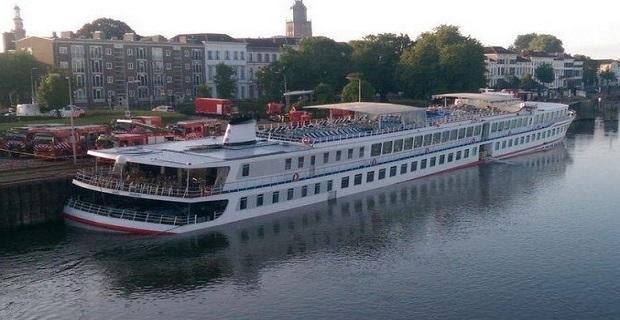 britania_cruise_ship-eisroi_idaton_