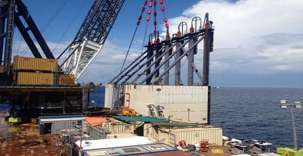 Ολοκληρώνεται η τοποθέτηση πλωτήρων στο Concordia - e-Nautilia.gr | Το Ελληνικό Portal για την Ναυτιλία. Τελευταία νέα, άρθρα, Οπτικοακουστικό Υλικό