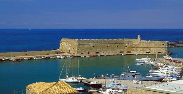 Πλοίαρχος έσωσε γυναίκα που είχε πέσει στο λιμάνι του Ηρακλείου - e-Nautilia.gr | Το Ελληνικό Portal για την Ναυτιλία. Τελευταία νέα, άρθρα, Οπτικοακουστικό Υλικό