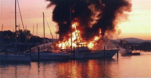 Πυρκαγιά σε σκάφος του Λιμενικού στην Πάτρα - e-Nautilia.gr | Το Ελληνικό Portal για την Ναυτιλία. Τελευταία νέα, άρθρα, Οπτικοακουστικό Υλικό