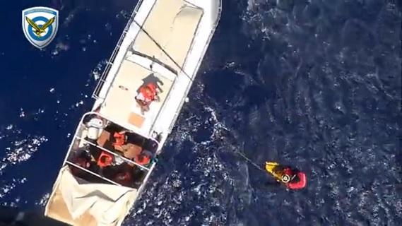 Δραματικές στιγμές κατά την διάρκεια διάσωσης μεταναστών στη Ρόδο [vid] - e-Nautilia.gr   Το Ελληνικό Portal για την Ναυτιλία. Τελευταία νέα, άρθρα, Οπτικοακουστικό Υλικό