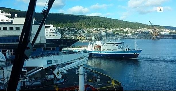 Σύγκρουση κρουαζιερόπλοιου σήμερα το πρωί [video] - e-Nautilia.gr   Το Ελληνικό Portal για την Ναυτιλία. Τελευταία νέα, άρθρα, Οπτικοακουστικό Υλικό