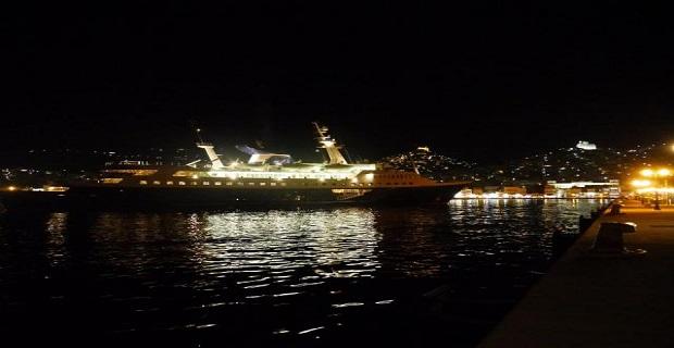 """Στην Σύρο η εντυπωσιακή θαλαμηγός """"Alexander"""" [pics] - e-Nautilia.gr   Το Ελληνικό Portal για την Ναυτιλία. Τελευταία νέα, άρθρα, Οπτικοακουστικό Υλικό"""