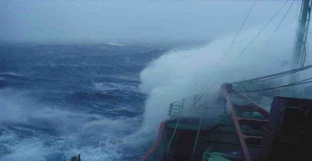 Δεμένα τα πλοία λόγω κακοκαιρίας – μεγάλη ταλαιπωρία για τους επιβάτες - e-Nautilia.gr | Το Ελληνικό Portal για την Ναυτιλία. Τελευταία νέα, άρθρα, Οπτικοακουστικό Υλικό