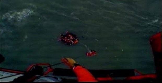 Διάσωση πληρώματος από πλοίο που βυθιζόταν - e-Nautilia.gr   Το Ελληνικό Portal για την Ναυτιλία. Τελευταία νέα, άρθρα, Οπτικοακουστικό Υλικό